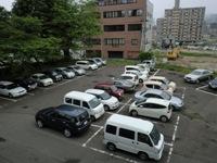 駐車場いっぱい.JPG